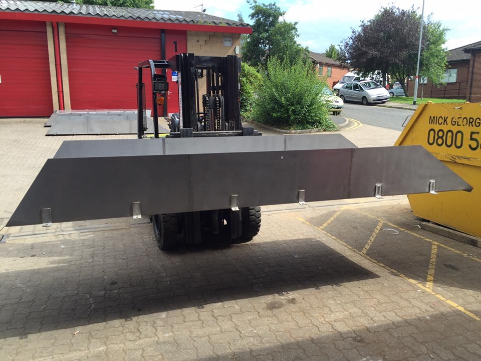 Stainless steel roller chutes