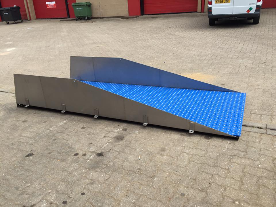 stainless steel roller chutes 1