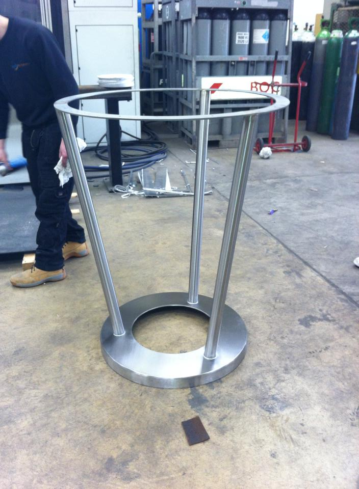 stainless steel tables for pub chain